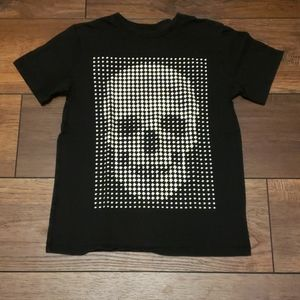 Glow in the dark skull shirt
